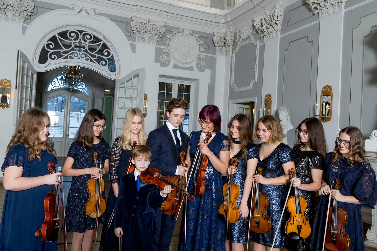 Help Magic Strings youths to represent Estonia at international